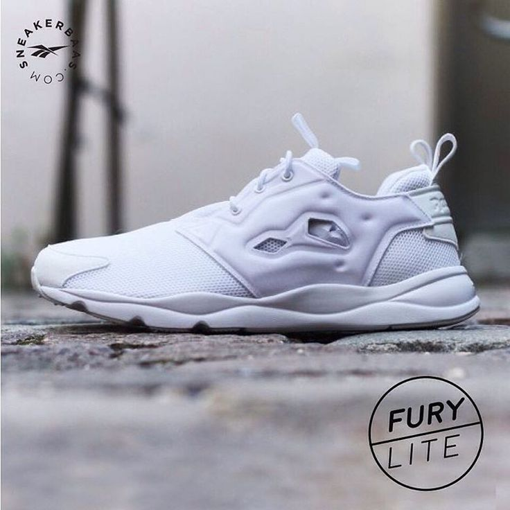 #reebok #reebokclassics #furylite #sneakerbaas #baasbovenbaas  Reebok Furylite - The Reebok Furylite is ready for you! The inspiration for the Furylite comes from the original Reebok Pump Fury, a design that has a fully pumpable upper.  Now online available | Priced at 79.99 EU | Men Sizes 40 - 46 EU