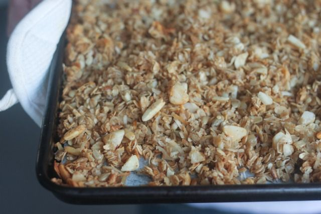 Homemade Honey Nut Granola | Kitchen Corners.. looks easy peasy and hopefully cheaper than store bought