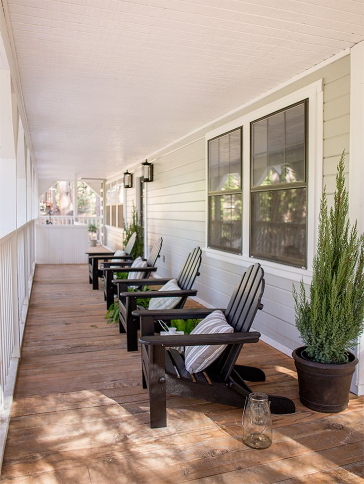 The Exterior: Cottage House Flip Reveal