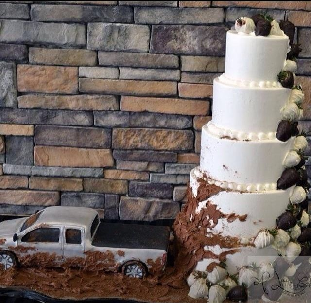 Mudding Wedding Cake make sure it is a 'ford' truck!!!
