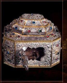 Agion Oros - Mount Athos: 0038 - Holy Relics kept at Athonite Monasteries.