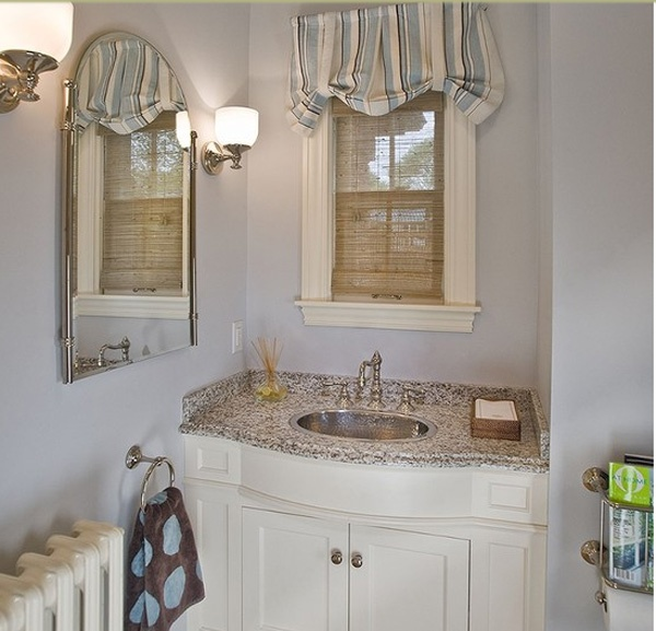Fresh looking bath. From Houzz