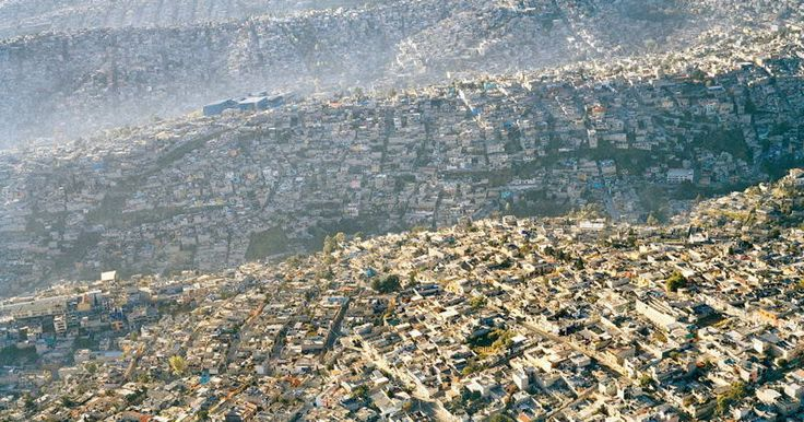 Powerful images that show the overpopulation of the world.
