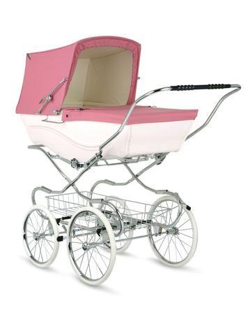 Silver Cross люлька Kensington pink  — 141900р. ---------------- Коляска-люлька Silver Cross Kensington цвета pink для девочек от рождения и до года. Шасси классическое, с большими колесами, защищенными от проколов. Спинка полностью горизонтальная. Вес коляски - 27 кг. ...