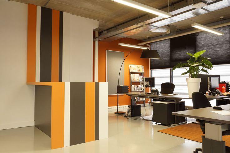 Meer dan 1000 idee n over kantoorruimte ontwerp op pinterest kantoorruimtes kantoren en - Eigentijdse bar ...