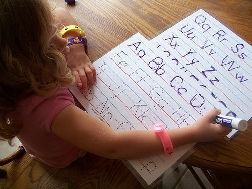 busy bag alpha. laminate and dry erase marker or crayon.Money Saving Mom, Good Ideas, For Kids, Business Bags, Letters Tracing, Alphabet Tracing, Letters Writing, Bags Ideas, Printables Alphabet Cards