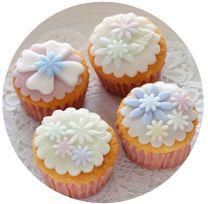 手作りカップケーキ 【petit bisou 芦屋】