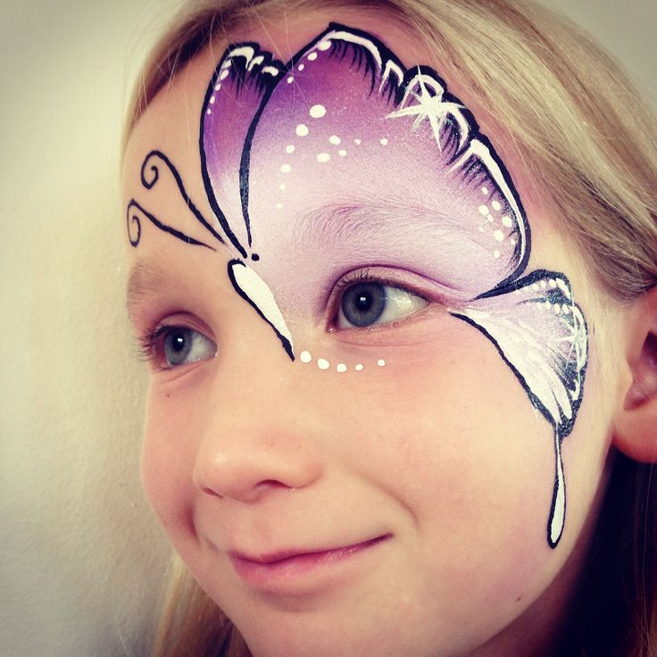 Frida with a new butterfly face #facepainting