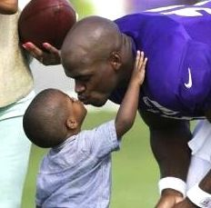 NFL Adrian Peterson YOUNG SON DIES