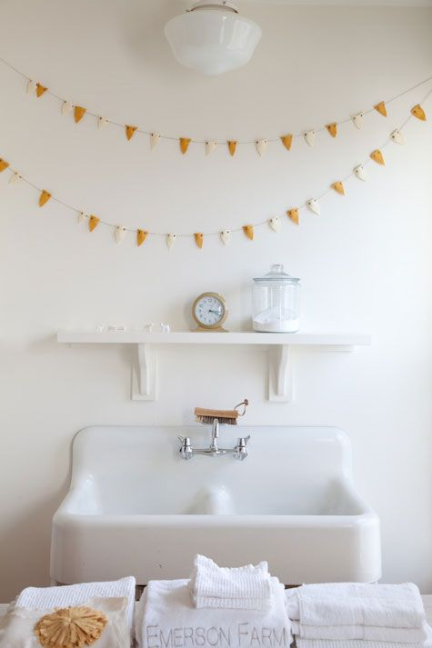 Wee bunting above the sink