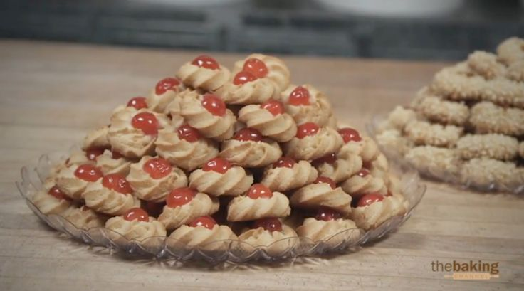Pignoli Cookies – EXCELLENT Professional Recipe * Pignolo (plural pignoli) is a macaroon typical of Sicily, Italy. It is a very popular cookie in all of southern Italy, and in Sicilian communities in the United States. The cookie is a light golden color and studded with golden pine nuts (also called pignoli). Made with almond …