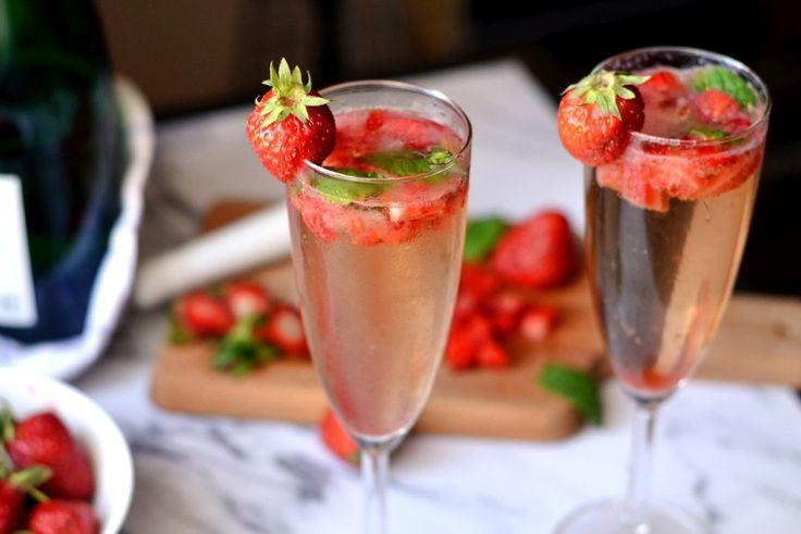 Клубничный мохито с шампанским