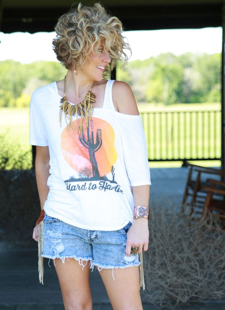 HARD TO HANDLE WHITE SCOOP TEE - Junk GYpSy co.
