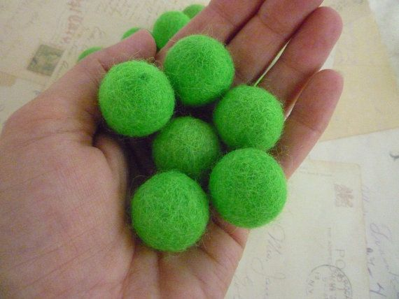 Felt Balls x 10 - Bright Green - 2cm