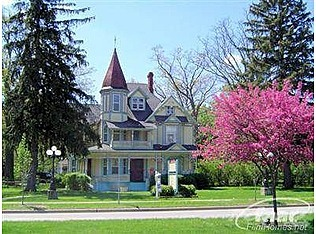 Fabulous Queen Anne In Chesaning Mi My Parents House My Michigan My Chesaning Pinterest