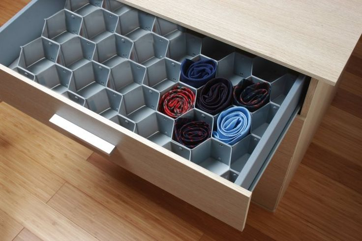 Para manter ordenado y optimizar el espacio de vuestro #dormitorio os recomendamos este separador de cajones.