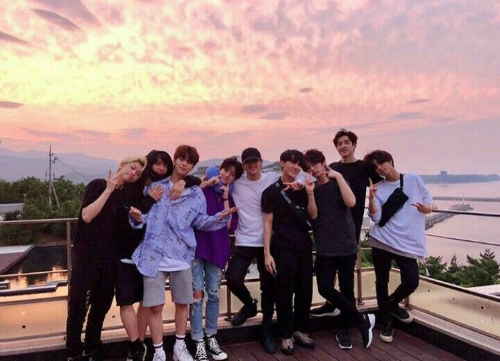 Sunset Or Sunrise Felix Stray Kids Kids Groups Photo