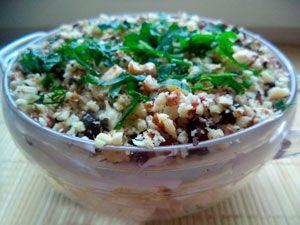 Рецепт №1: Салат «Очарование» с черносливом и курицей
