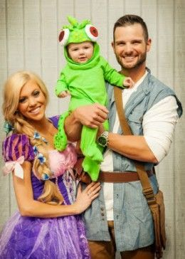 Cute Family Costume Idea for all those Disney fans - Rapunzel, Pascal and Flynn Rider from Disney's Tangled