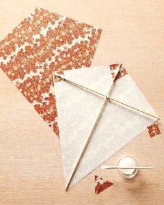 how to make a kite using newspaper