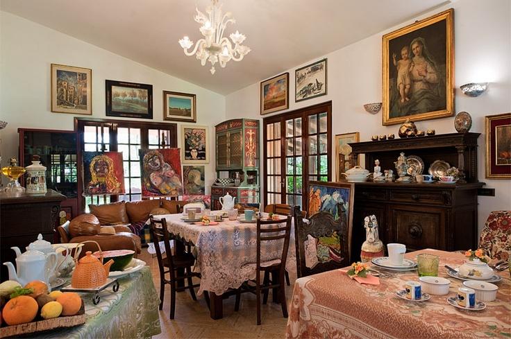 Italian interiors @ Valmontone Bed and Breakfast (Roma).