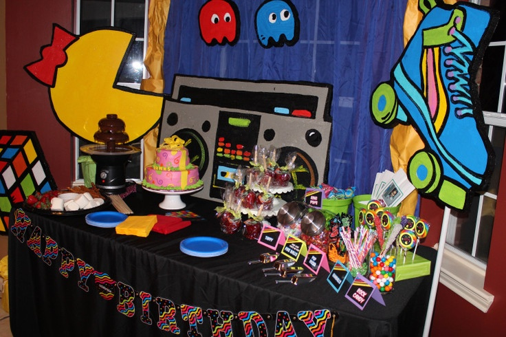 Table setting for 80 39 s party i want my mtv 80 39 s theme for Decoration 80 s