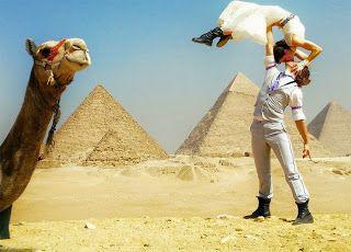 As Meninas dos Olhos Audiodescrição: Casamento no deserto...