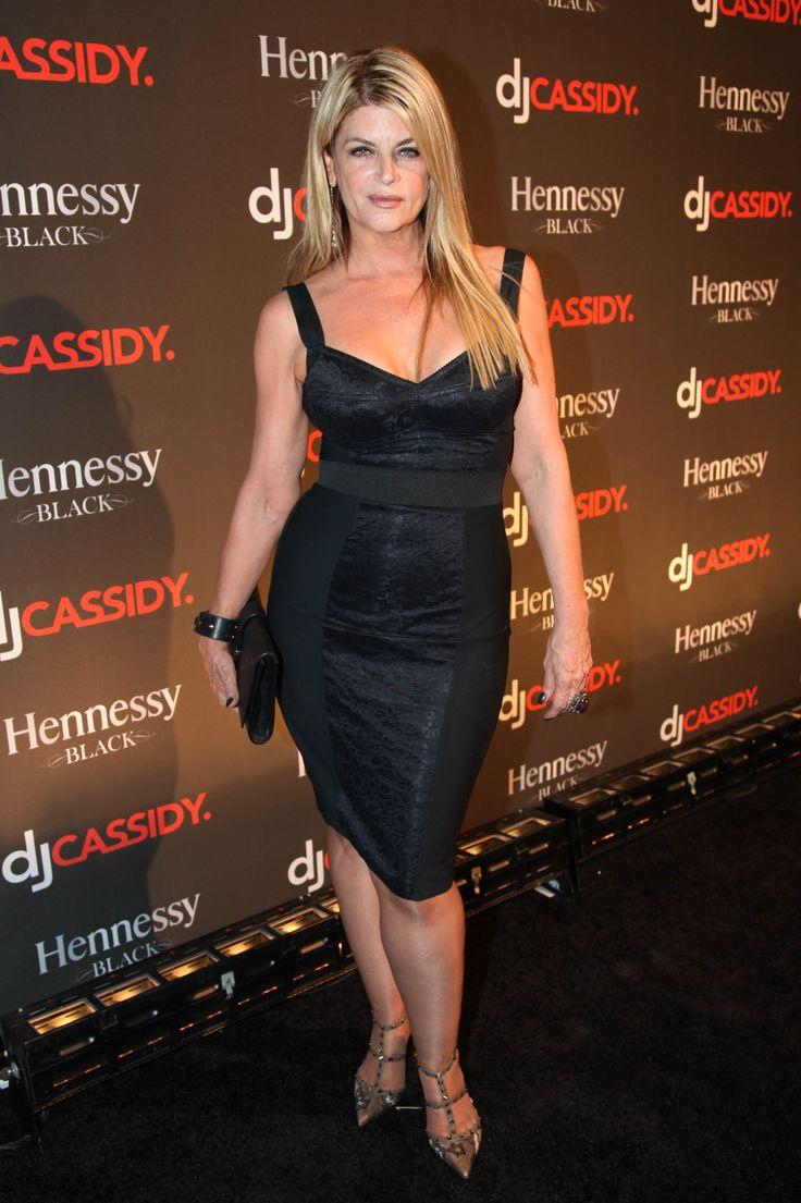 "Kirstie Alley Height: 5' 7"" http://www.kirstiealley.com/ http://www.imdb.com/name/nm0000263/"