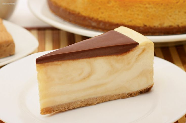 Sweet Life Cheesecake Sweet Life Cheesecake fully justifies its name. Excellent taste of classic vanilla cheesecake and caramel combined with milk chocolate will feel the true sweetness of life!