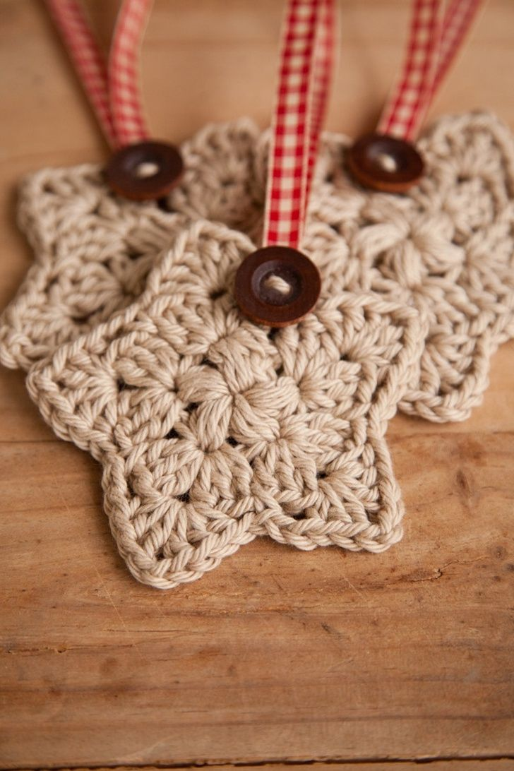 Crochet Christmas Star, Set of 3, Christmas Ornament, Holiday Decor, Decoration, Tan, Wood Button, Plaid Red Ribbon, MADE TO ORDER. $6.95, via Etsy.....I   have got to learn to make these!  too cute!