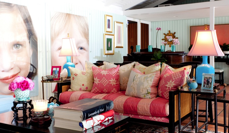 Love giant photos on children on the wall!!Decor, Ideas, Living Rooms, Hillary Thomas, Colors, Livingroom, Kids Photos, Studios Couch, Families Room