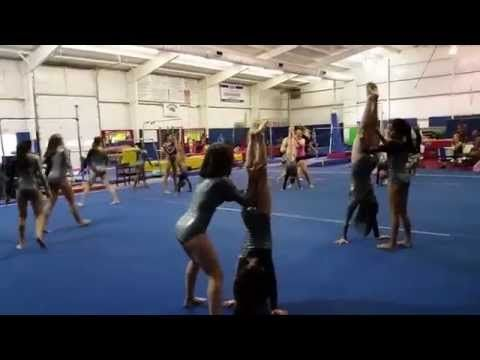 Favorite team game: THE HANDSTAND GAME (Gymnastics/Fitness/Kids) - YouTube