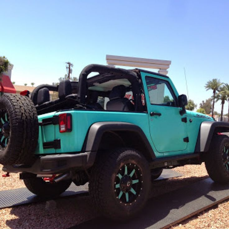 Tiffany+Blue+2+Door+Jeep+Rubicon+-+Fuel+Offroad+Wheels+-+Total+Auto ...
