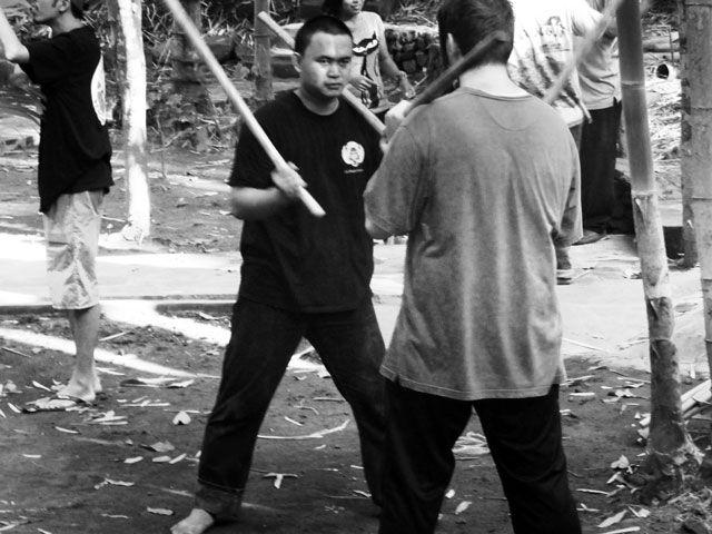 Introduction to Pencak Silat  pencak-silat-training-indonesia. Martial arts blogs. Folkow milkblitzstreetbomb. http://milkblitzstreetbomb.com/silat/what-is-pencak-silat/?utm_source=ReviveOldPost&utm_medium=social&utm_campaign=ReviveOldPost