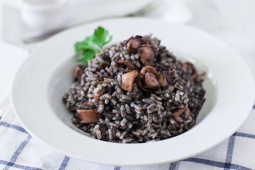 La mejor receta de risotto de calamares en su tinta    #RisottoCalamaresEnSuTinta #RecetasDeRisotto #Risotto #RecetasDeArroz #RecetasItalianas