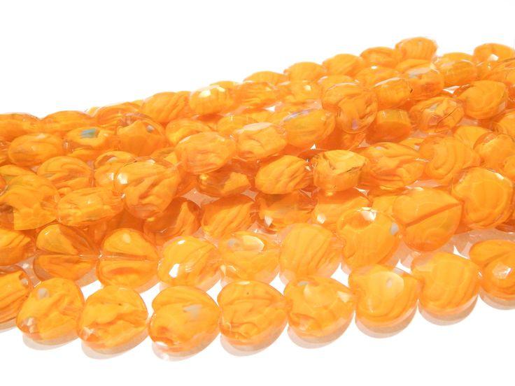 Cristal murano, M0 2, color naranja, tira con 13 piezas, medida 1.6 cm x 1.5 cm $35.00. Precio especial a mayoristas.