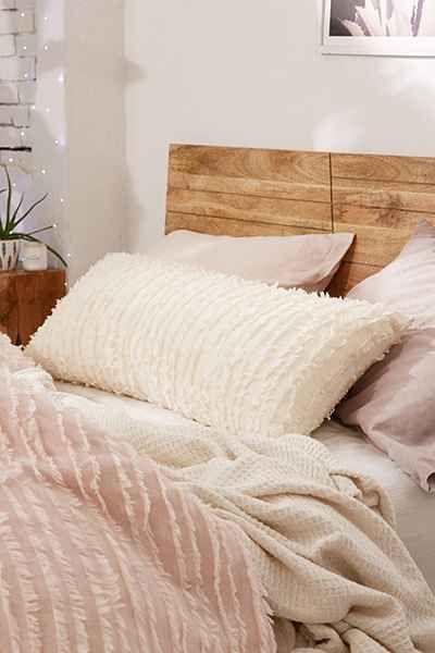 oreiller de couette de corps appartement inspo appartement liste style de chambre coucher dcor de chambre coucher chambre des matres chambre