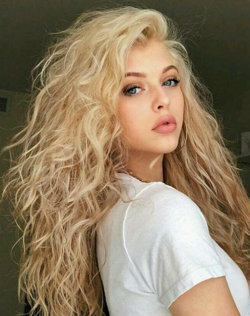 30 Of The Sophisticated Long Curly Hairstyles 2019 To