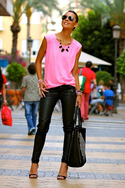 Transition: Statement Necklace, Fashion Styles, Rocks Stars, Pink Tops, Street Styles, Spring Outfit, Leather Leggings, Leather Pants, Pink Black