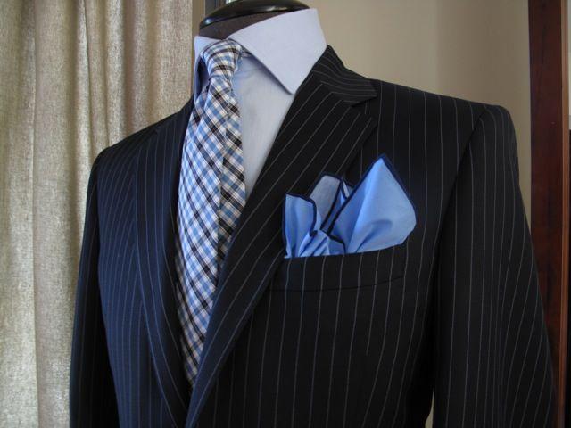 bespoke pinstrope suits   Vita Di Lusso Bespoke Blue Navy Pinstripe
