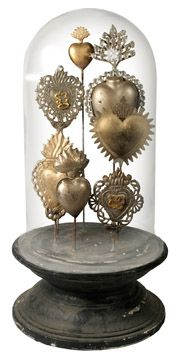 Heart Decoration would also look chic with silhouette buttons