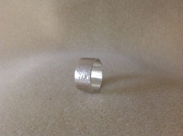 Sterling silver unisex wide band hammered ring £15.50