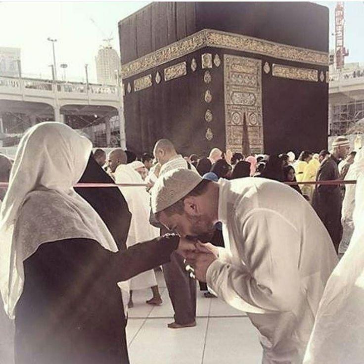 """Do'a Malaikat Zibril Menjelang Ramadhan . """"Ya Allah tolong abaikan puasa ummat Muhammad  apabila sebelum memasuki bulan Ramadhan dia tidak  melakukan hal-hal yang berikut : .  Tidak memohon maaf terlebih dahulu  kepada kedua orang tuanya (jika masih ada);  Tidak berma'afan terlebih dahulu antara suami-istri;  Tidak berma'afan terlebih dahulu dengan orang-orang sekitarnya Maka Rasulullah pun mengatakan Aamiin sebanyak 3 kali. .  Dapat kita bayangkan yang berdo'a adalah Malaikat dan yang…"""