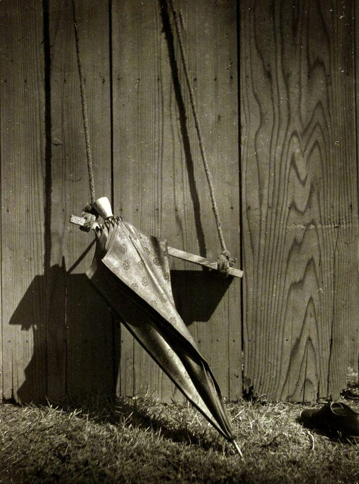 1940's . Kansuke Yamamoto, ©Toshio Yamamoto. Collection of Santa Barbara Museum of Art, USA.