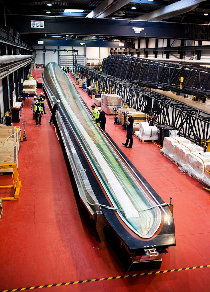 'quantum blade' by produced by siemens is the world's longest wind turbine blade at 75m (154m rotor diameter)... wow, I want to see that wind turbine