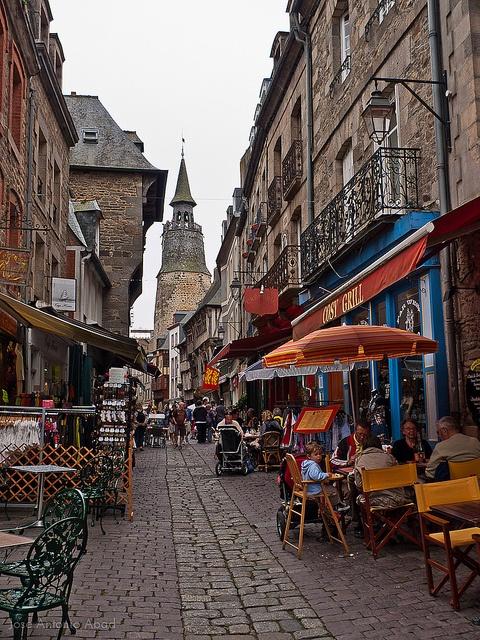 Rue de la Poissonnerie, Dinan Bretaña  Francia