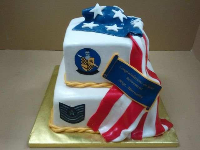 206 best military images on pinterest for Army cake decoration