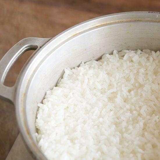 特集|ワタナベマキさんの無水鍋レシピ第2話:ふっくらモチモチ白米の炊き方。9月18日(木)から3日間で、特集『ワタナベマキさんの無水鍋レシピ』をお届けしています。本日は無水鍋で炊く白米の炊き方を教わり
