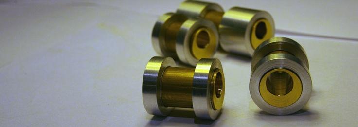 Offset bushings -7mm BB, -0,5° HA.