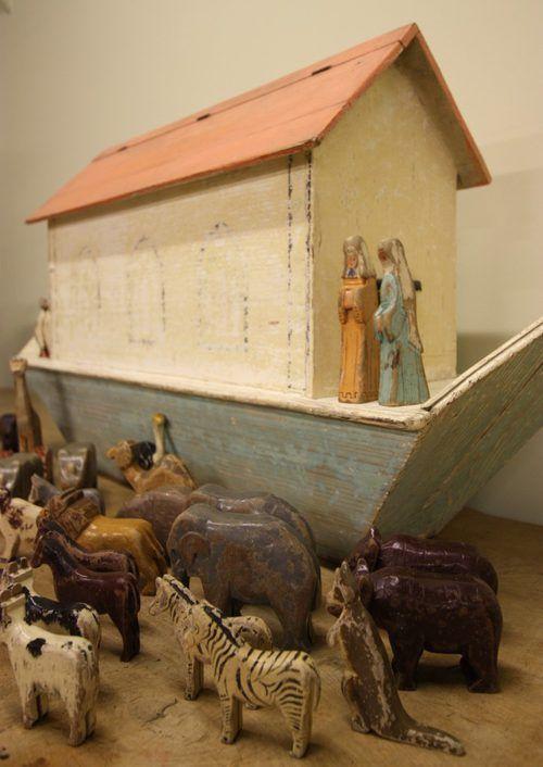 antique noah's ark   Large Edwardian Antique Childs Noah's Ark.
